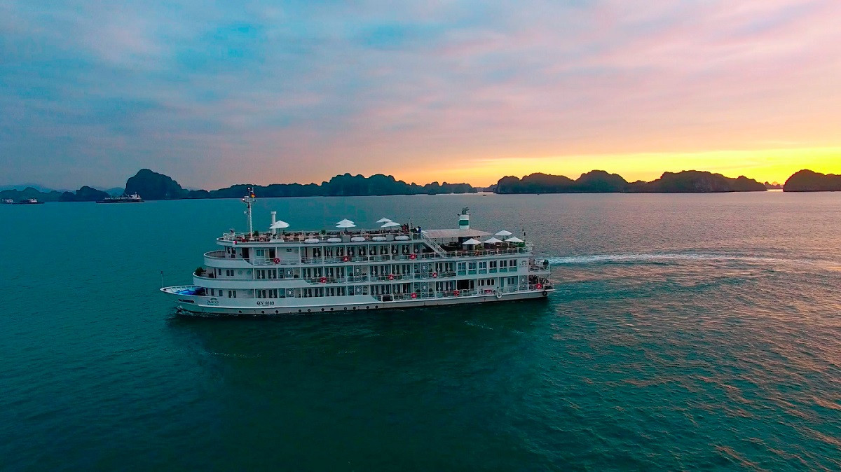 Three Day Luxury Halong Bay Cruises and Gulf of Tonkin Discovery