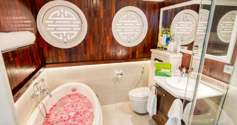 Bathroom-Au-Co-Suite-The-Au-Co-Luxury-Cruise-Halong-Bay.jpg