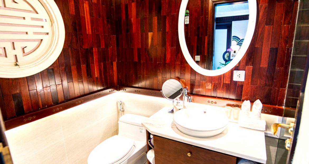 Deluxe-Cabin-The-Au-Co-Luxury-Cruise-Halong-Bay-Bathroom.jpg