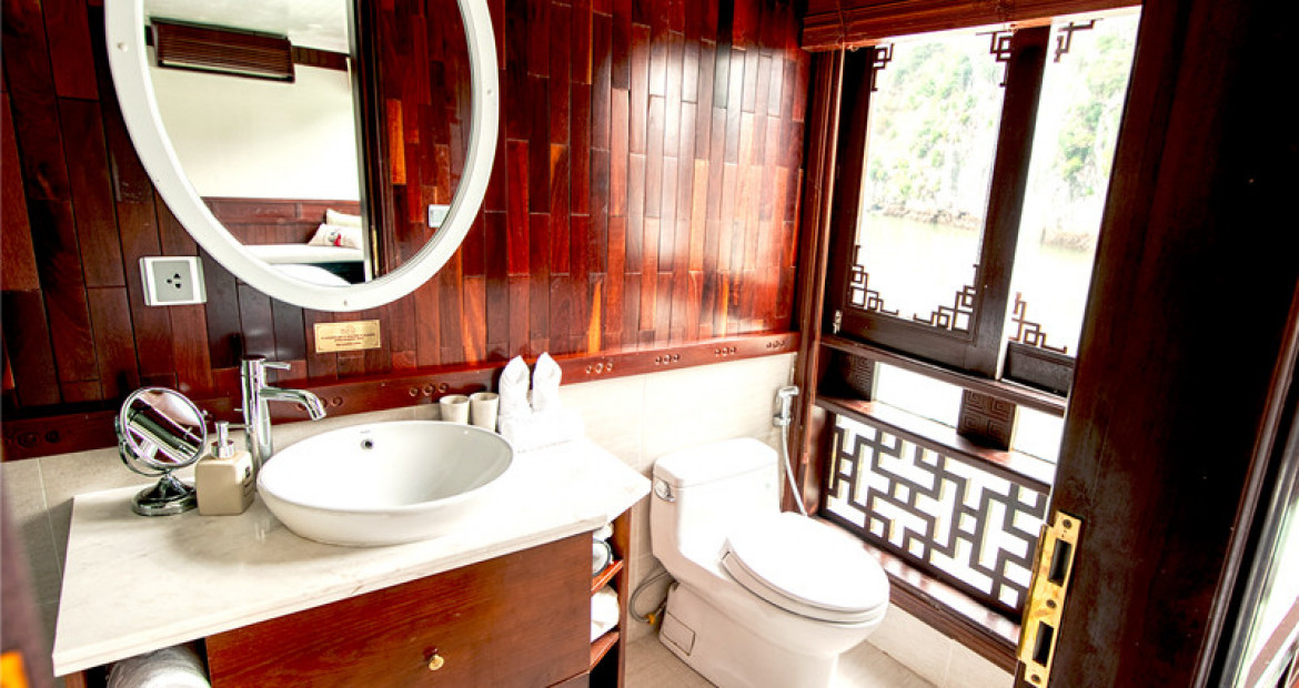 Bathroom-grand-Deluxe-Cabin-The-Au-Co-Luxury-Cruise-Halong-Bay.jpg