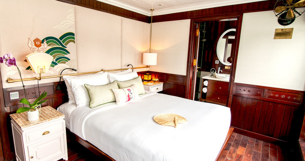 Grand-Deluxe-Cabin-The-Au-Co-Luxury-Cruise-Halong-Bay.jpg