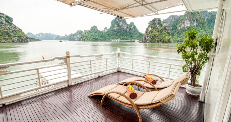 Terrace-Long-Quan-Suite-The-Au-Co-Luxury-Cruise-Halong-Bay.jpg