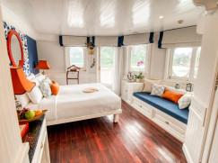 Au Co Suite (Upper Deck, Front of the ship)