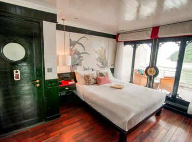 Long-Quan-Suite-The-Au-Co-Luxury-Cruise-Halong-Bay.jpg
